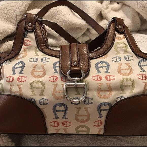 Etienne Aigner Handbags - Etienne Aigner vintage purse logo multicolor cream